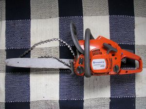 Chainsaw with chain off.jpg